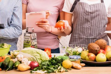 WHAT IS THE DIFFERENCE BETWEEN DIETITIAN, NUTRITIONIST AND NUTRITIONAL THERAPIST? 3